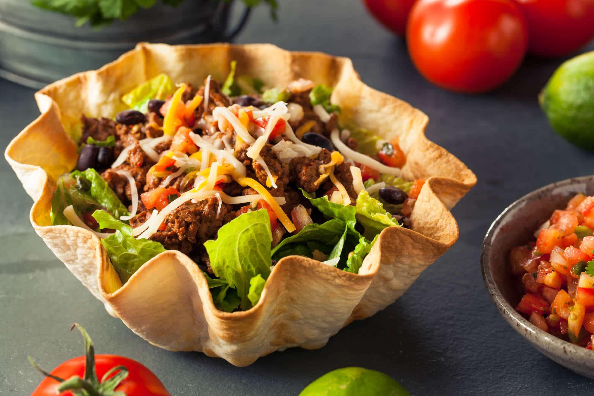 taco salad - El Rincon